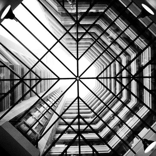 21 Clever Uses Of Geometric Patterns In Photography in Geometric Shape Photography 24038