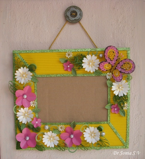 Cards ,crafts ,kids Projects: Paper Flowers On Handmade Photoframe with How To Make Handmade Photo Frames With Handmade Paper Step By Step 27693