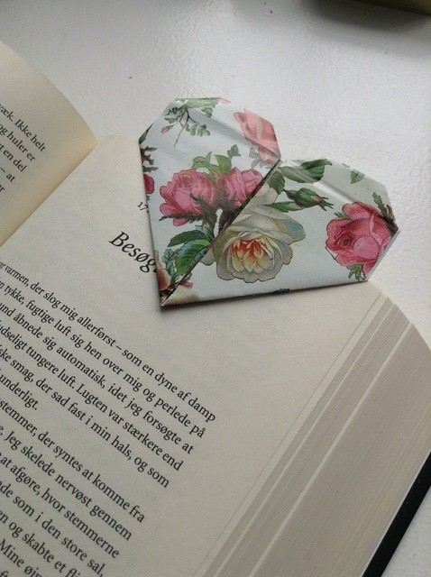 How To Make Cute Bookmark Out Of Paper - Snapguide in How To Make Bookmarks Out Of Paper 27912