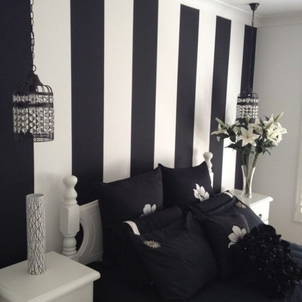Inspiring Painted Wall Designs For Bed Room By Black White For